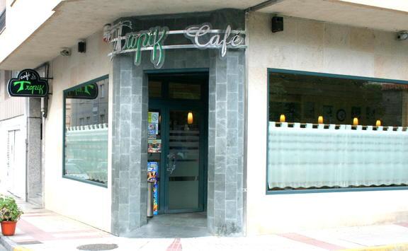 TROPIK CAFÉ