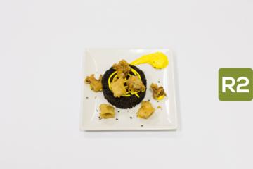 R2- Cous cous negro con tempura de calamar y alioli de azafrán