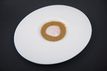 Ovo baixa cocción con soia fermentada e crema de níscaros