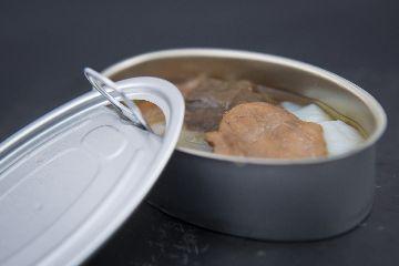 Delicias de bacallau escabechado con cogomelos silvestres