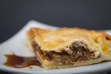 Empanada de castaña de Galicia acaramelada