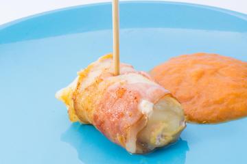 Rollito de Pollo en salsa de Cebolla y Zanahoria