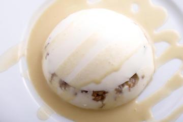 Flan de queixo e castañas con mollo de crema de Orujo e mel