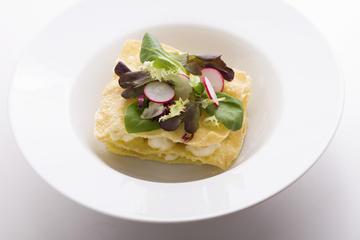 Milfollas de crema con queixo e verduriñas ó Wok