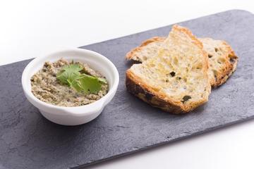Julia Minguiillón: Paté de shiitake con lascas de pan de Cea