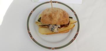 Montadiño de Lombo con queixo San Simon da Costa. (LUGO)