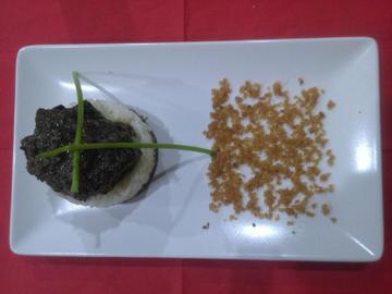 Lamprea en molde de arroz y arena