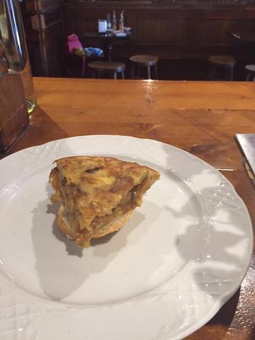 Pincho de tortilla caramelizado