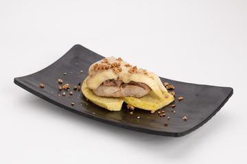 Montadiño de solombo de porco con Castañas e queixo  |  2,50€
