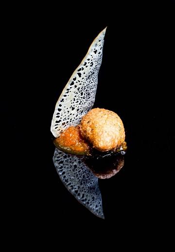 Boliño de bacallau, cabaza doce e crocante de San Simón