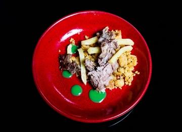 Porco, millo e pementos