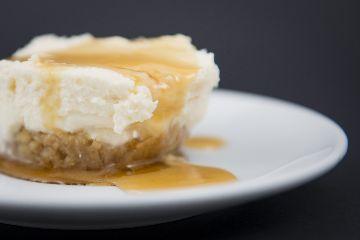 Torta de queixo do Cebreiro con base de noces, mel e figos